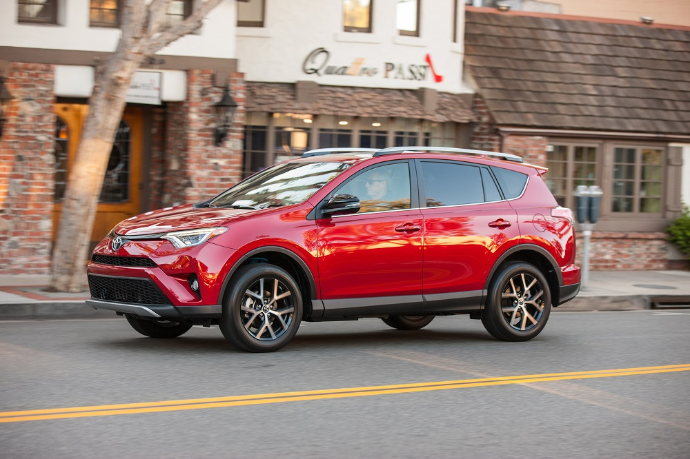 Oh Yes The Rav4 Hybrid Awd Tows Too Up To 1 750 Pounds When Properly Equipped