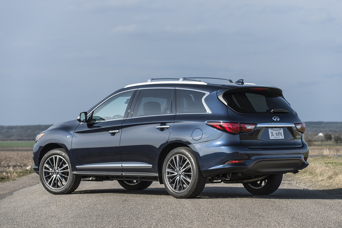 2018 Infiniti QX60 3-Row SUV a family adventure package