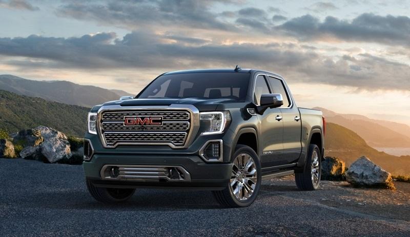 No pricing or performance information was available at this special media reveal. As usual, expect that closer to launch - scheduled for Fall 2018. GMC executives indicated the first public appearance of the new 2019 GMC Sierra SLT and Denali would be at the New York International Auto Show in April (March 30 to April 8). Additional information on the Sierra is expected to be announced at that show. The full line-up will include eight trim levels and six powertrain combinations we were told. We 'suspect' we will hear more about powertrains in New York.