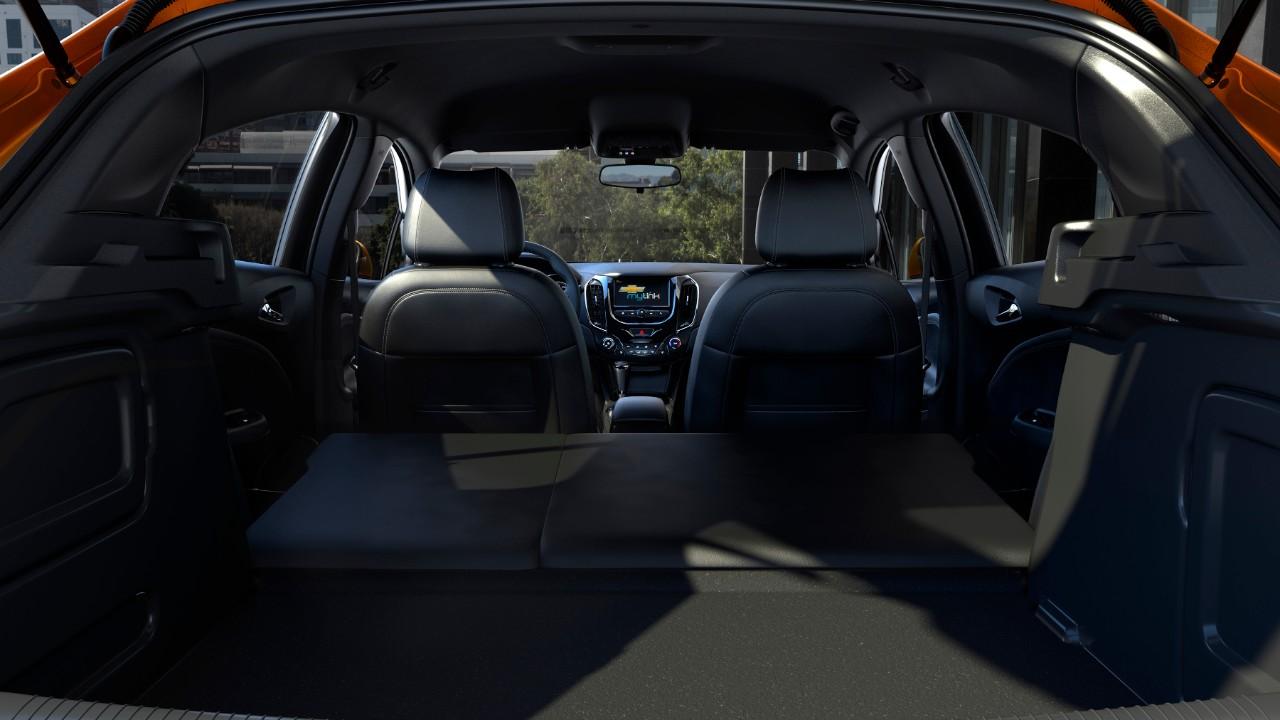 2018-Chevrolet-CruzeHatch-Diesel-