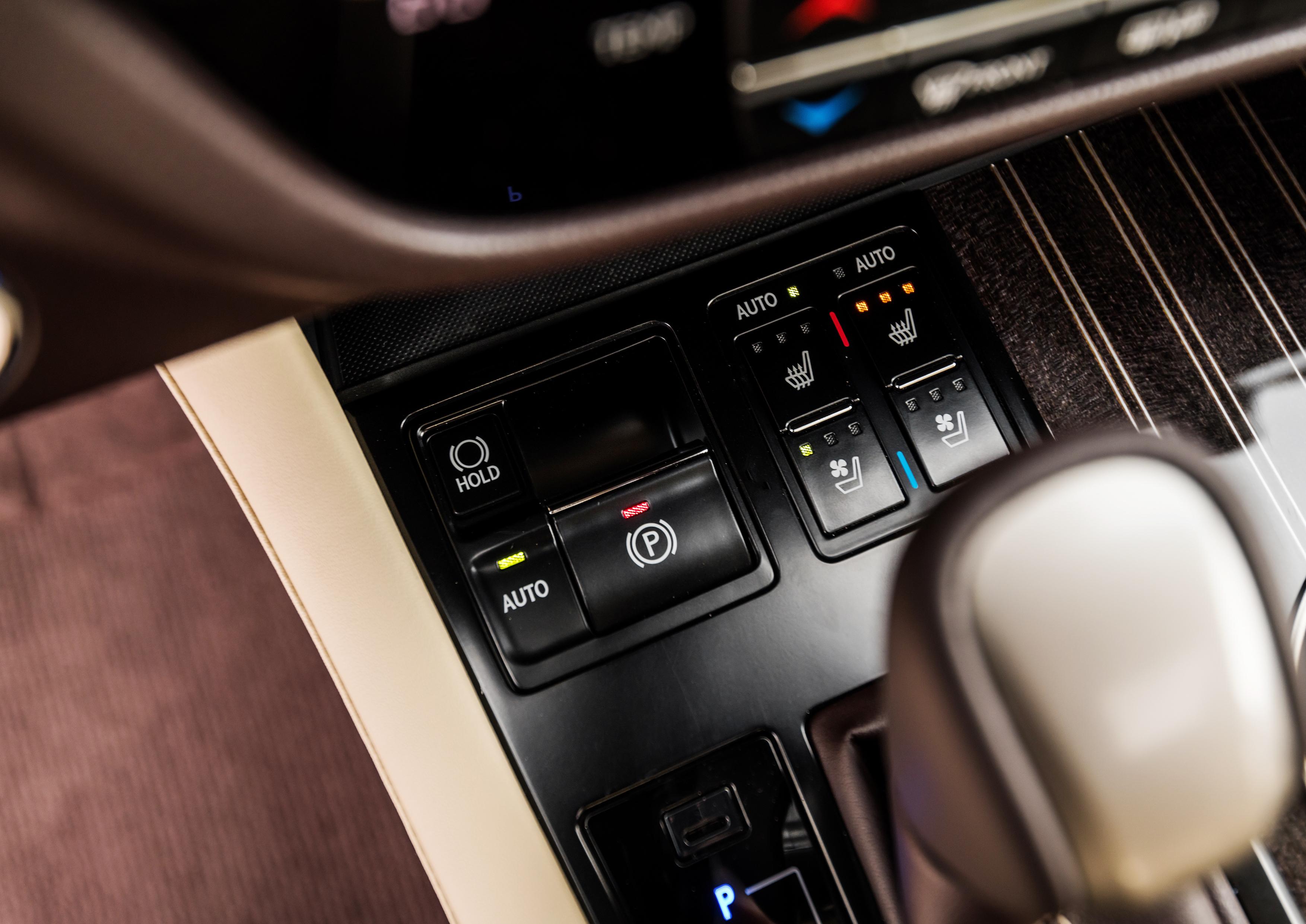 2018_Lexus_RX_350L_