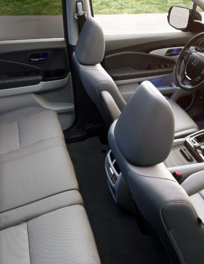 2017-Honda-Ridgeline-Interior-Seating