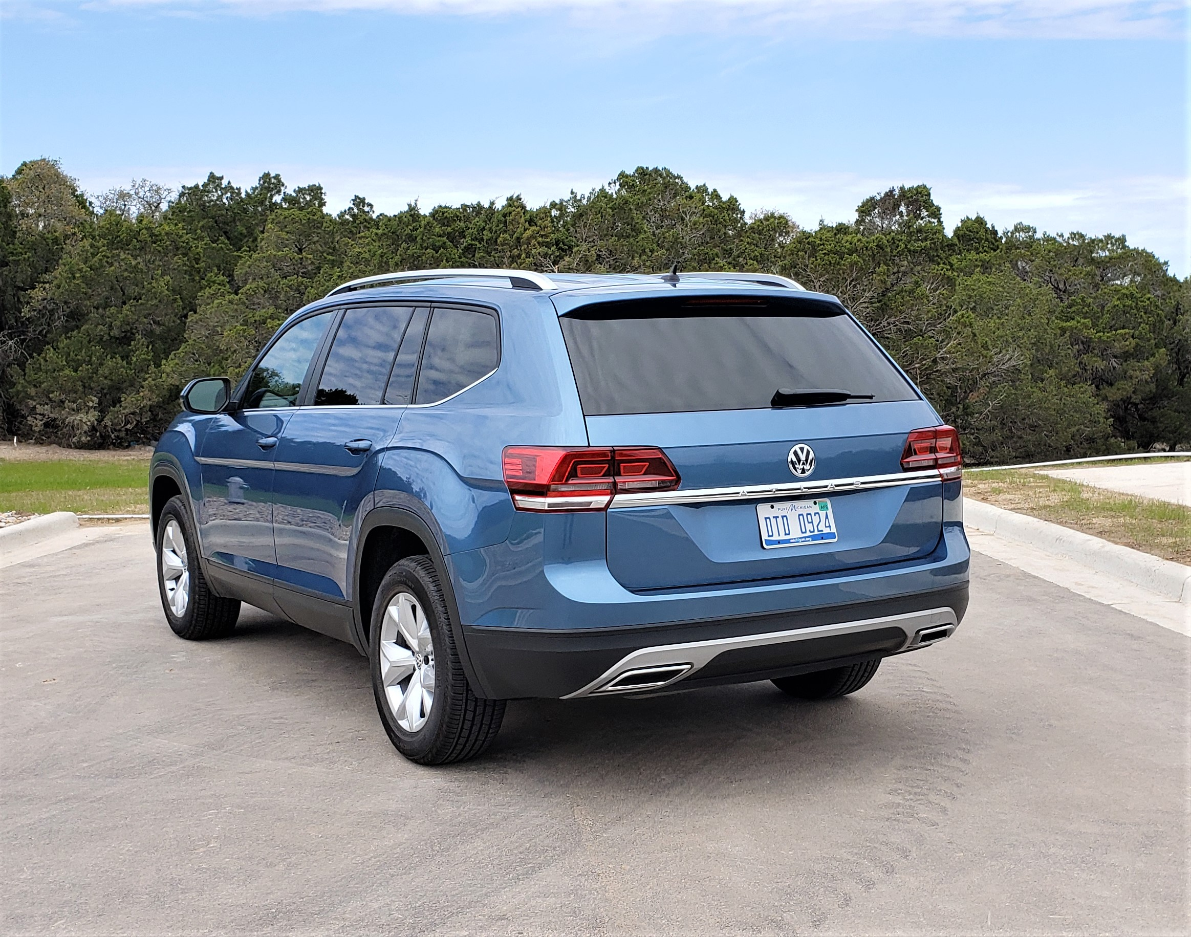 2019 VW Atlas frt wheel