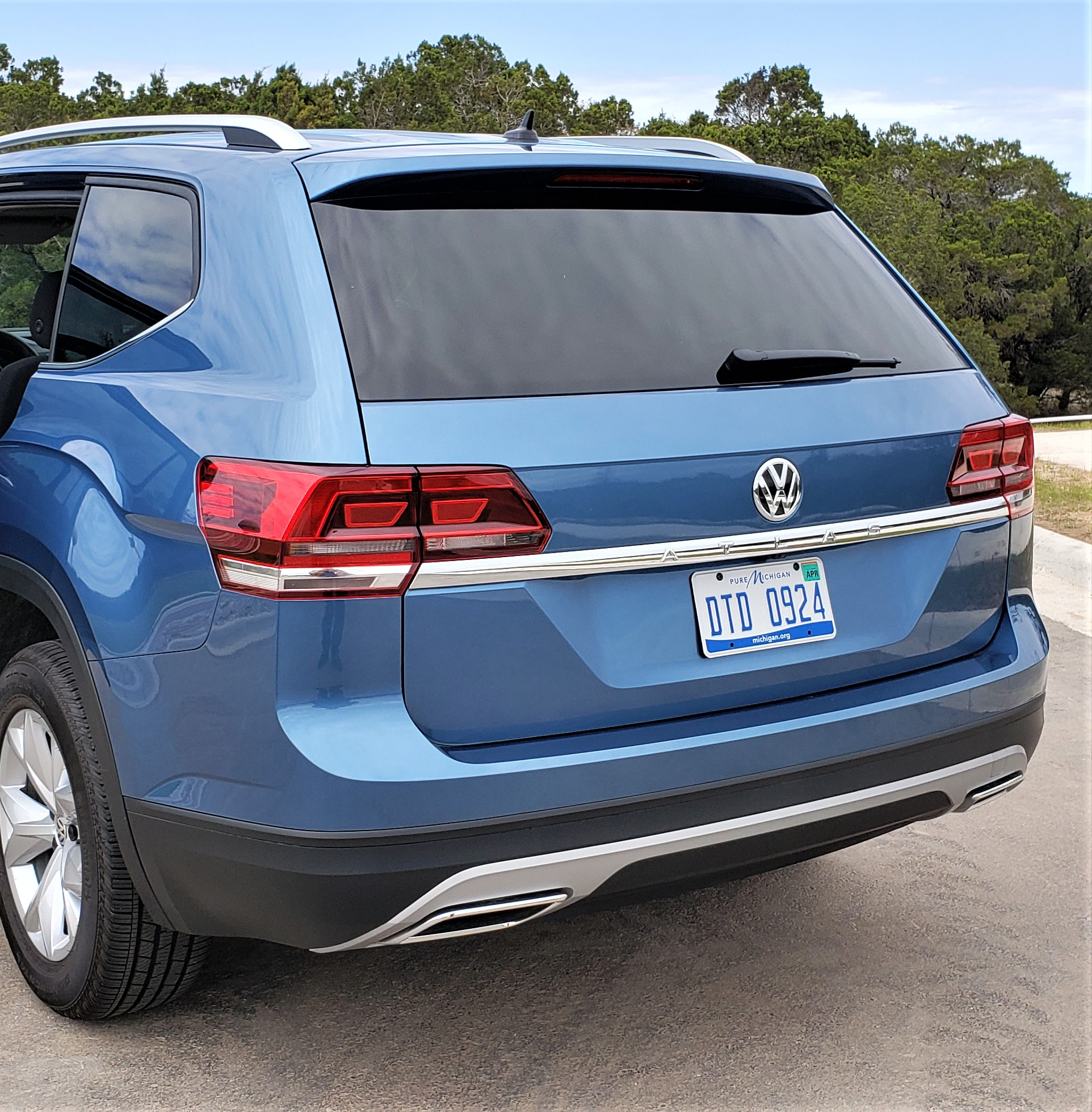 2019 VW Atlas rear qtr