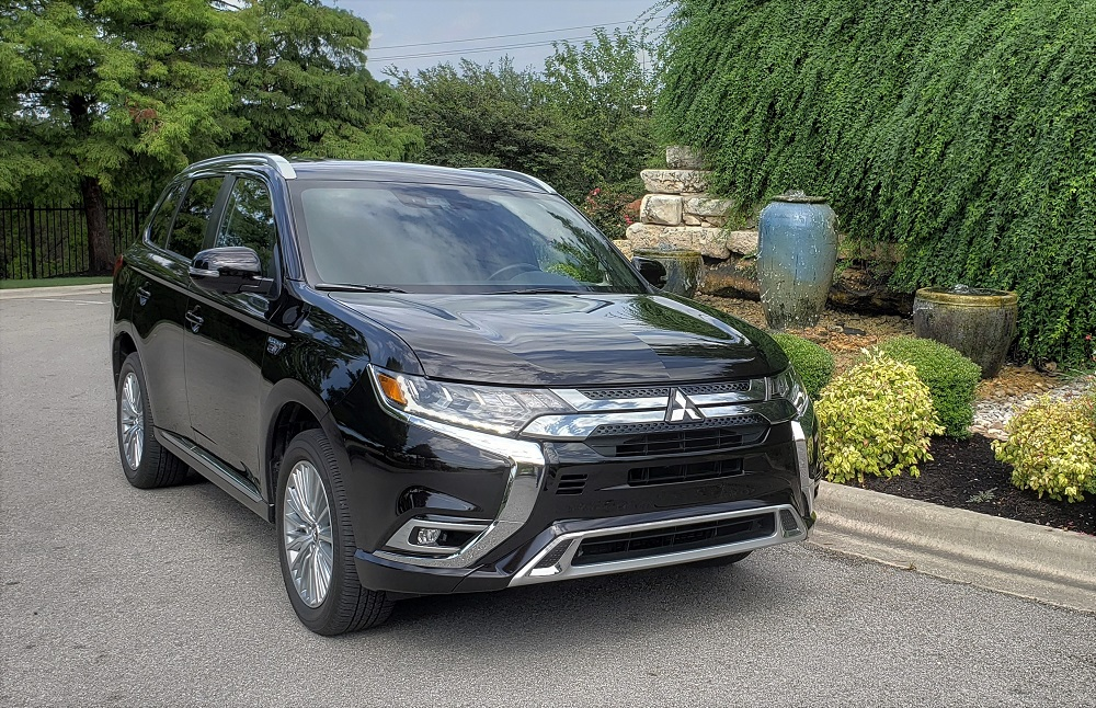 2019 Mitsubishi Outlander PHEV GT S-AWC complete with power points