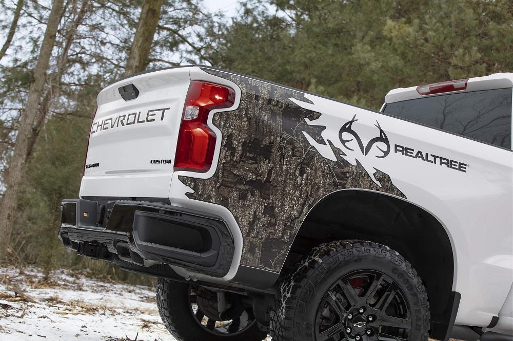 2021 Chevrolet Silverado Realtree Edition debuts at SHOT Show